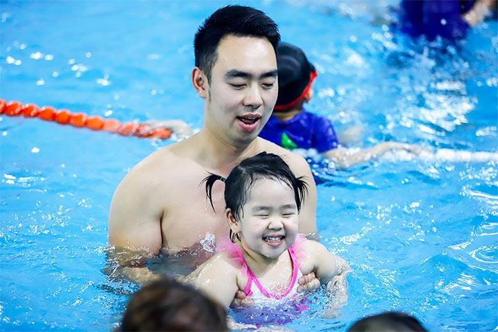 trung tâm dạy bơi aqua tots