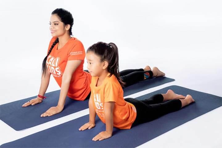 lớp học yoga trẻ em tphcm calikids academy