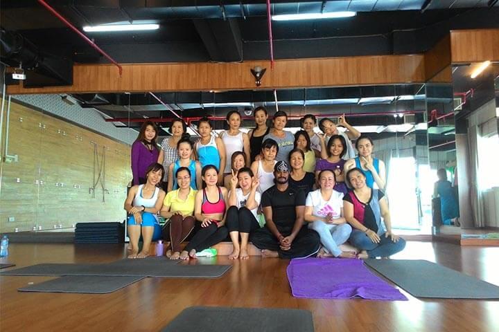 lớp học yoga trẻ em tphcm maha
