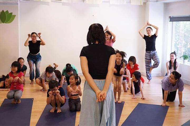 lớp học yoga trẻ em tphcm yoga daily